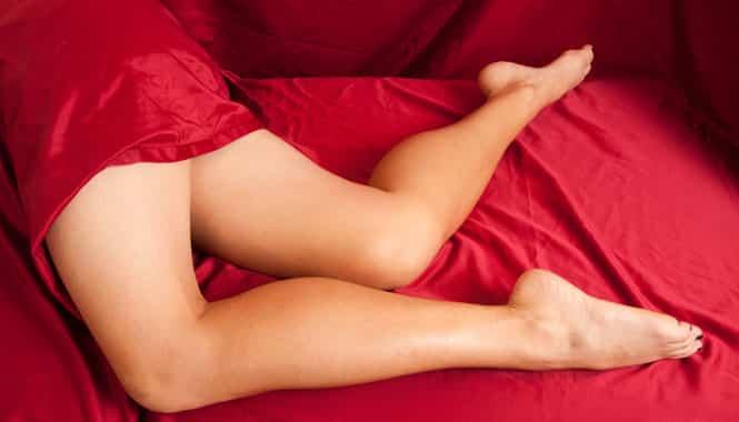Почему во сне сводит икры ног