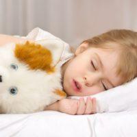 Плохой сон пагубно отражается на здоровье малыша.